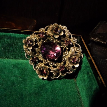 Filigree and Amethyst Coloured Stone Brooch or Pendant